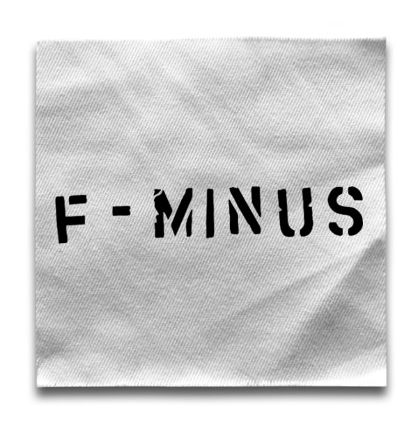 нашивка F-minus